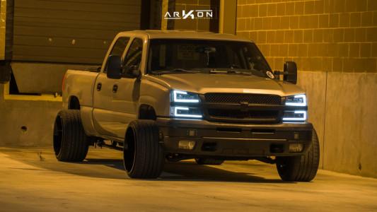 2005 Chevrolet Silverado 1500 HD - 22x14 -81mm - ARKON OFF-ROAD Lincoln - Lowered 3F / 5R - 335/25R22