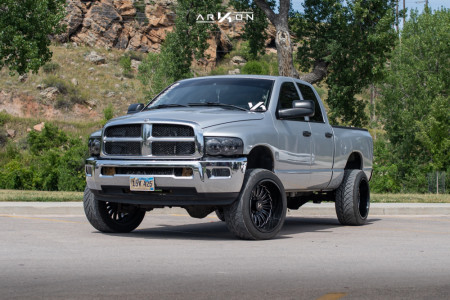 2005 Ram 2500 - 22x12 -51mm - ARKON OFF-ROAD Alexander - Leveling Kit - 305/45R22