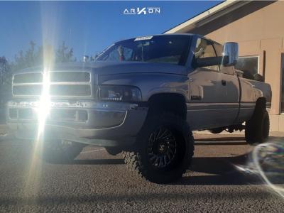"1998 Dodge Ram 2500 - 20x12 -51mm - ARKON OFF-ROAD Caesar - Stock Suspension - 33"" x 12.5"""