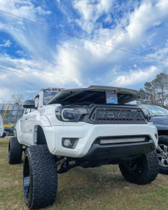 "2014 Toyota Tacoma - 22x12 -51mm - ARKON OFF-ROAD Alexander - Suspension Lift 7"" - 33"" x 12.5"""