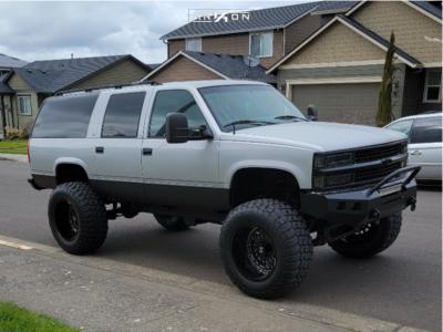 "1997 Chevrolet K1500 Suburban - 22x14 -81.788mm - ARKON OFF-ROAD Crown Series Triumph - Suspension Lift 6"" - 40"" x 15.5"""