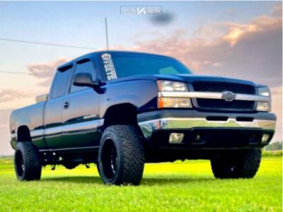 """2005 Chevrolet Silverado 1500 - 20x12 -51mm - ARKON OFF-ROAD Alexander - Suspension Lift 7.5"""" - 33"""" x 12.5"""""""