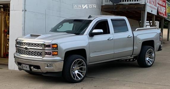 2015 Chevrolet Silverado 1500 - 22x12 -52mm - ARKON OFF-ROAD Roosevelt - Leveling Kit - 305/40R22