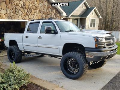 """2004 Chevrolet Silverado 1500 - 22x14 -81mm - ARKON OFF-ROAD Alexander - Suspension Lift 7"""" - 37"""" x 13.5"""""""