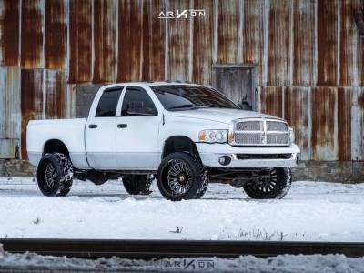 2005 Dodge Ram 2500 - 22x14 -81mm - ARKON OFF-ROAD Alexander - Leveling Kit - 305/45R22