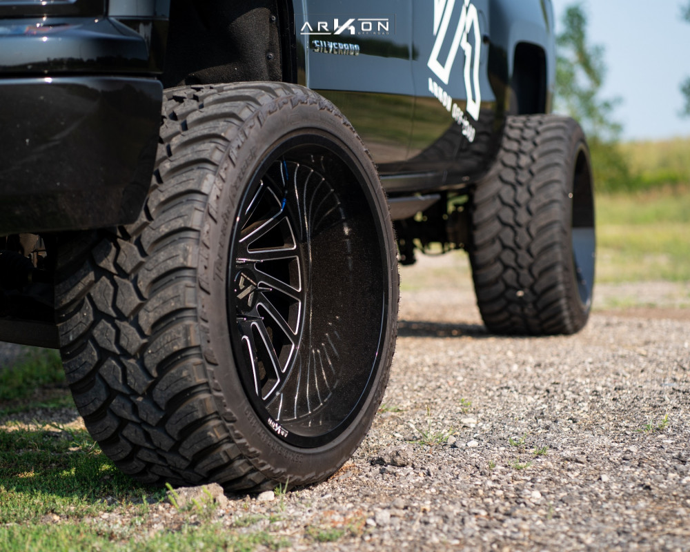 2 2015 Silverado 1500 Chevrolet Rough Country Suspension Lift 7in Arkon Off Road Caesar Machined Black